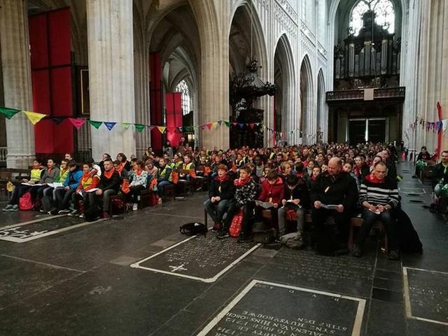 De vormelingen vierden eucharistie in de Antwerpse kathedraal © IJD Antwerpen