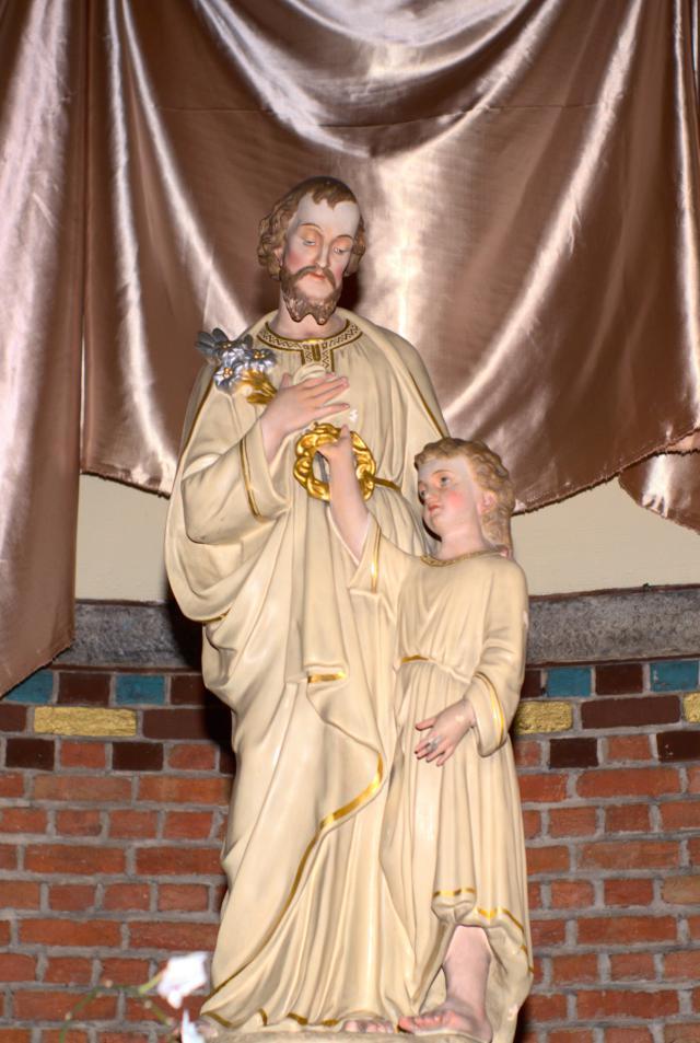 Beeld op het Sint-Jozefaltaar