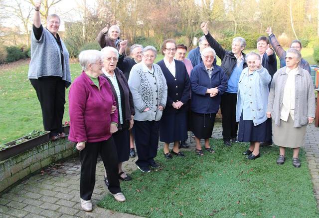 Overste Hilde Stinkens en 'haar' zusters van Don Bosco in Groot-Bijgaarden. © Zusters van Don Bosco
